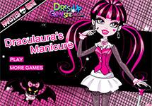 Hacer la manicura a Draculaura
